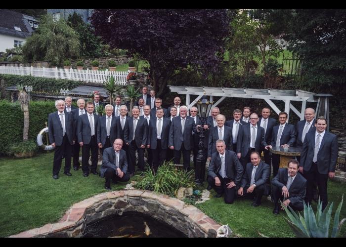 Vereinsfoto Männerchor 2016 beim KSV-Heim